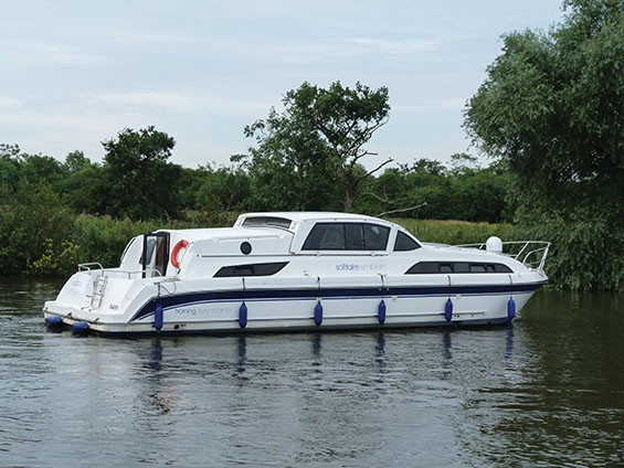 Solitaire - luxury Norfolk Broads cruiser