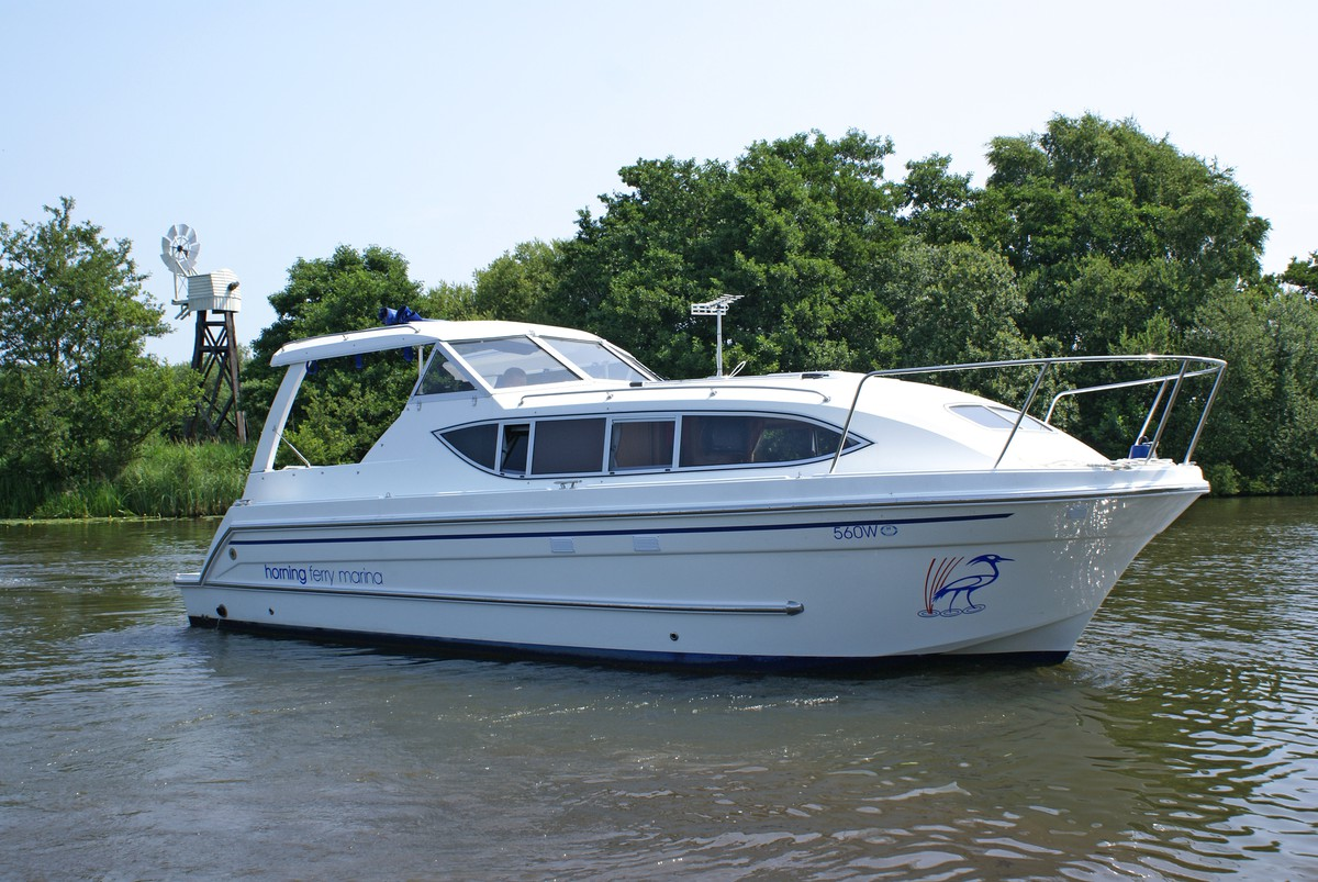 Garnet Emblem - luxury Norfolk broads cruiser